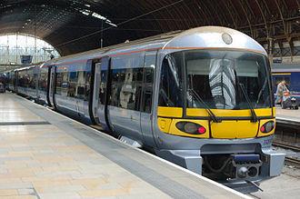 Heathrow Express - Image: 332002 at Paddington ABU