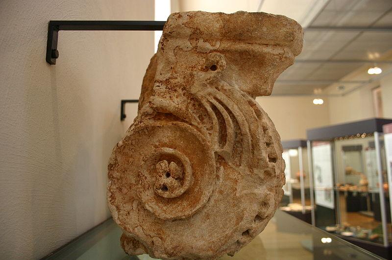 File:4149 - Milano - Antiquarium - Voluta di capitello ionico - sec. IaC-IdC - Foto Giovanni Dall'Orto, 14-July.2007.jpg
