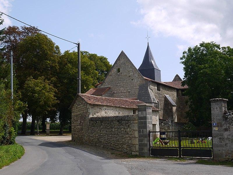 L'église Saint-Macaire.