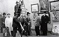 A l'accrochage du Salon des Artistes Rouennais, Musée des Beaux-Arts de Rouen, Robert Antoine Pinchon (centre) 1934.jpg