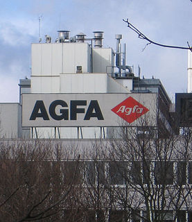 Agfa-Gevaert company that manufactures cameras and accessories