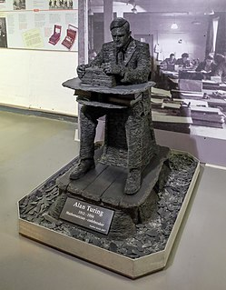 <i>Alan Turing statue</i>