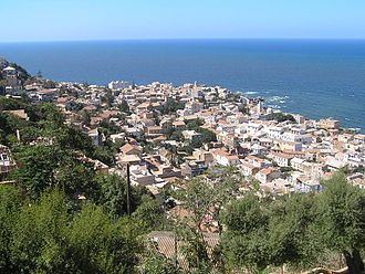 Panorama of the city as seen from Bologhine district Algeri08.jpg