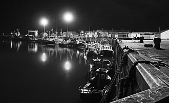 Amble - Image: Amble Harbour at night
