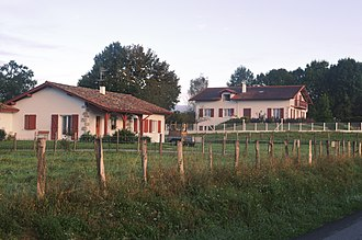 Amendeuix-Oneix - Houses in Amedeuix-Oneix