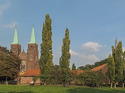 Amstenrade, kerk foto5 2011-09-27 16.28.JPG