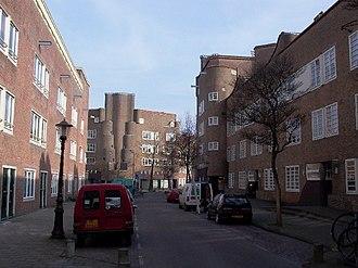 Amsterdam School - 'De Dageraad' housing estate, P.L.Takstraat in Amsterdam, 1920-23 (Piet Kramer)