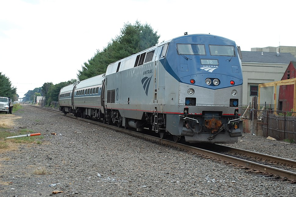 Amtrak Shuttle 463 Eng 18