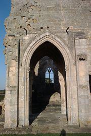 Ancienne église d'Auxais (10).jpg