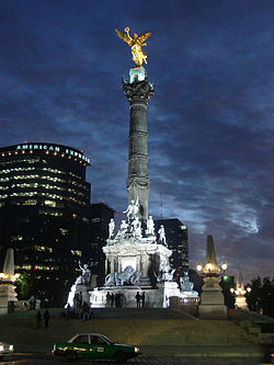 Angel Monumento a la Independencia.jpg