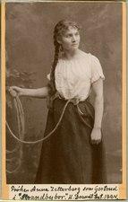 Anna Zetterberg, rollporträtt - SMV - H9 073.tif