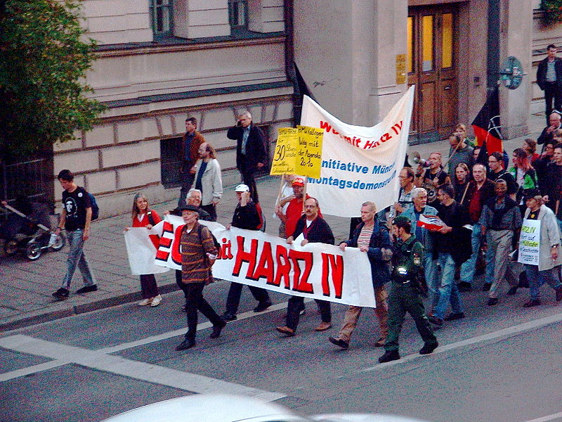 File:Anti-Hartz-Demo.jpg
