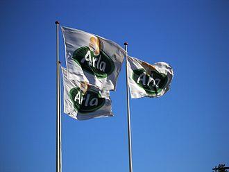 Arla Foods - Image: Arlaflag ved Arla Friskvareterminal Ishøj