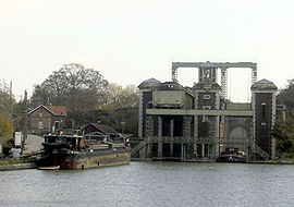 The Fontinettes boat lift