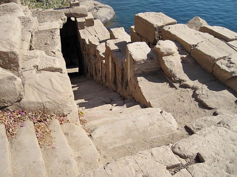 Древнейший ниломер на о. Элефантина