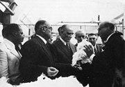 Atatürk Nazilli Basma Fabrikası'nın açılışında (1937)