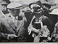 Atatürk yabancı gazetecilerle.jpg