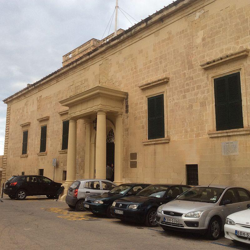 Auberge d'Aragon Valletta, Malta façade.jpeg