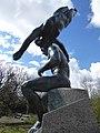 August Suter (1887–1965) Skulptur-Prometheus und die Seele- gewidmet Carl Spitteler (1845–1925).jpg