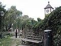 Augustinerweg in Freiburg mit Schwabentor.jpg