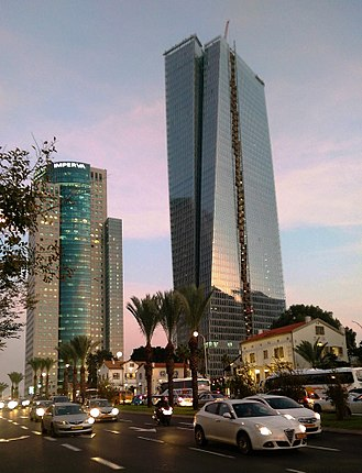 Azrieli Sarona Tower - The tower in December 2016
