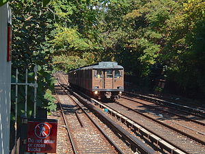 BMT Triplex on Brighton Express at Avenue H.JPG