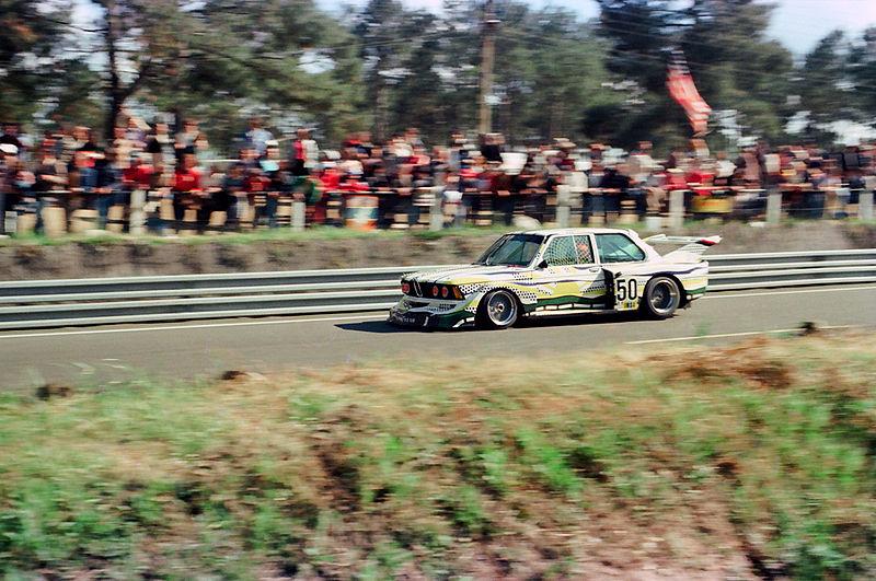 BMW Art Car #3 - Roy Lichtenstein - BMW 320 Gr. 5 alla 24 ore di Le Mans 1977 - Immagini Gillfoto / Wikipedia
