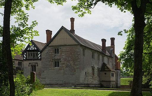 Baddesley Clinton house west May 2016