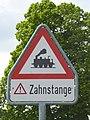 Bahnübergang Zahnstange.jpg