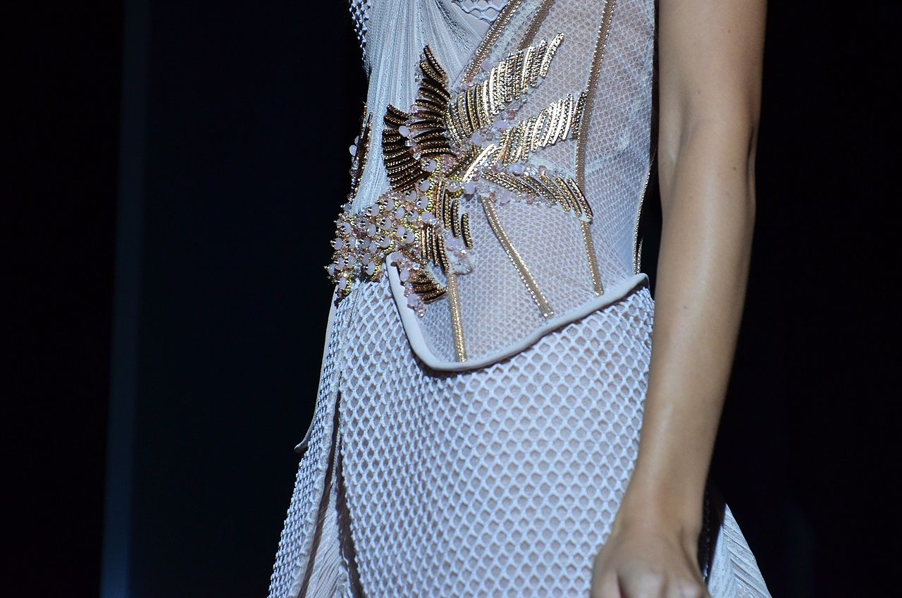 File basil soda spring summer haute couture 2012 8 jpg for Haute couture wikipedia