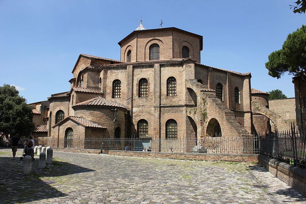 1024px Basilica di San Vitale%2C Ravenna%2C Italia %281%29