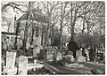 Begraafplaats en Ned. Herv. kerk aan de Binnenweg 67 te Bennebroek. Oriëntatie ziende naar het noordoosten. NL-HlmNHA 54016597.JPG
