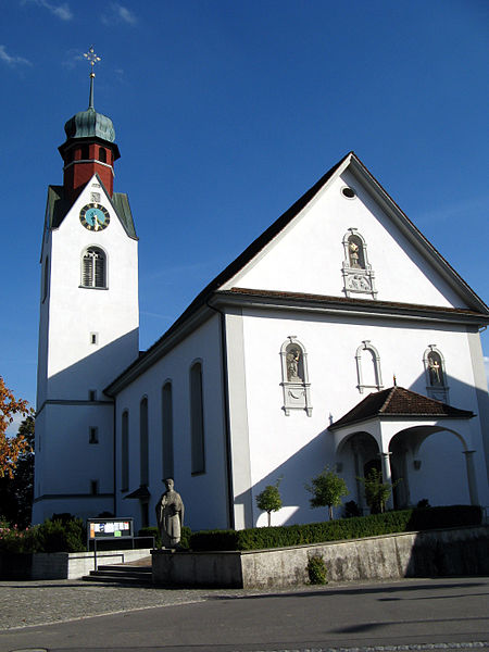 File:Beinwil Kirche aussen2.jpg