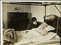 Bergliot Ibsen sittende ved sengen til Bjørnstjerne Bjørnson, Paris 1910 (8934673035).jpg