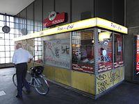 Berlin - U-Bahnhof Turmstraße (9487862973).jpg