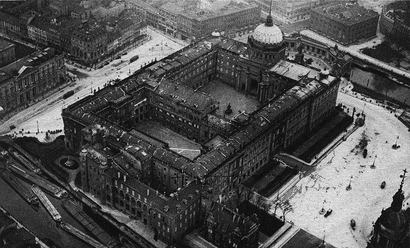 A Stadtschloss archív felvételen