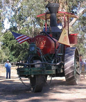 Steam tractor - A 1905 Best steam tractor (manufactured in California).