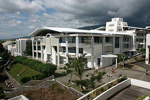 University of La Réunion - Image: Bibliothèque faculté droit Moufia