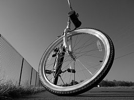 Bicycle wheel 01.jpg