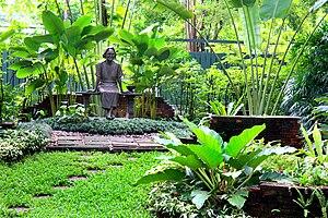 Princess Mother Memorial Park - Image: Bkksuansomdetya 090527c