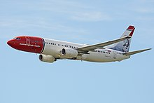 Boeing 737-8JP(w) 'LN-DYD' Norwegian Air Shuttle (42567575274).jpg