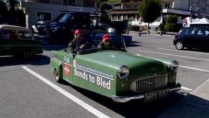 File:Bond beim Ausparken.webm