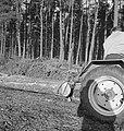 Bosbewerking, arbeiders, boomstammen, landbouwmachines, werktuigen, sleepwerkzaa, Bestanddeelnr 253-4010.jpg