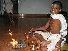 Légende Hindoue dans Mythologie/Légende 220px-Brahmin_boy_ritual