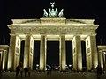 Brandenburg Gate at night (2006).jpg