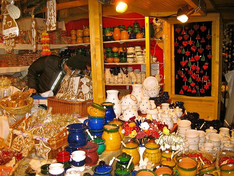 File:Budapest Christmas Market (8227367083).jpg