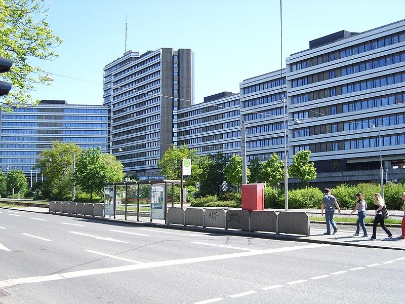 File:Bundesagentur für Arbeit Nürnberg - panoramio.jpg