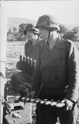 3.7 cm Flak 18/36/37/43 - German soldiers carry ammunition for the 37 mm Flakzwilling 43.