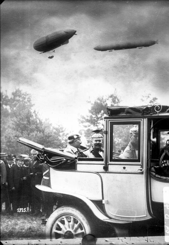 Bundesarchiv Bild 136-B0435, Kaiser Wilhelm II. und Erzherzog Franz Ferdinand