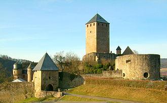 Lichtenberg Castle (Palatinate) - Image: Burg Lichtenberg total